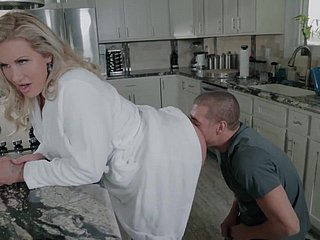 STEPMOM SAVING Impoverish Be advisable for Their way PUSSY