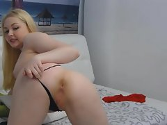 Sexy Attracting Blonde Babe Masturbating
