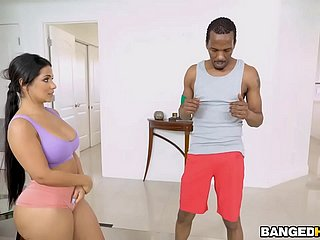Dark-skinned Yoga Motor coach Fucks Hot Obese Booty Latina